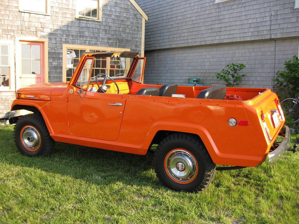 1970 Jeepster Commando Side View