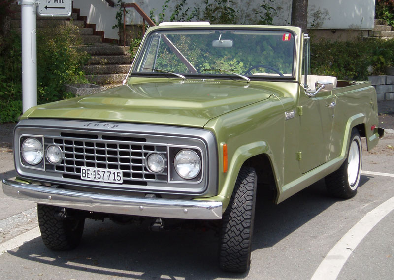 The Jeepster Commando C104